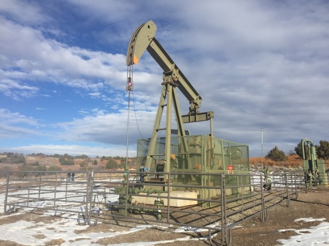 SouthernUte_Dec16_Pumpjack-on-Reservation_LPaterson.jpg